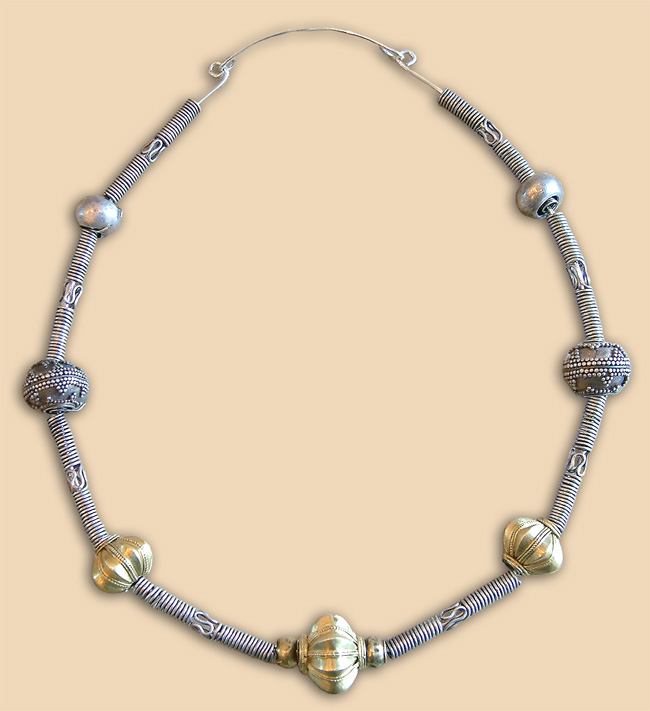 Silver necklace with golden and silver beads - after restoration